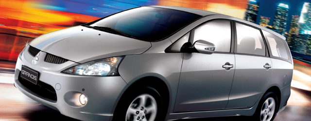 Buy Mitsubishi Grandis 2.4 MIVEC Automatic car