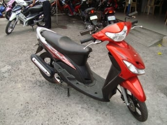 Buy Yamaha MIO Sporty scooter