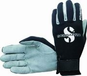 Buy Amara Gloves
