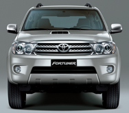 Toyota Fortuner 4x2 G Dsl M/T car