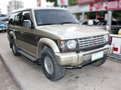 Mitsubishi Pajero car