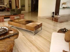 Floor in Travertine slabs