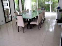 Floor in Ibiza Limestone slabs