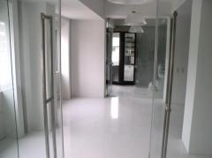 Floor in White Linen slabs
