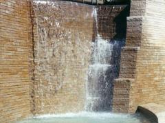 Wall in Steven Beige Marble slabs