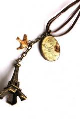 Paris pendant .