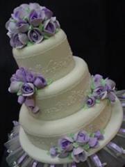 • 3-Layer Wedding Cakes